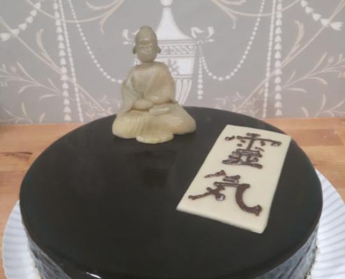 Mirror glaze und Marzipanbuddha