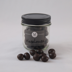 Dragierte Haselnüsse in Zartbitterschokolade